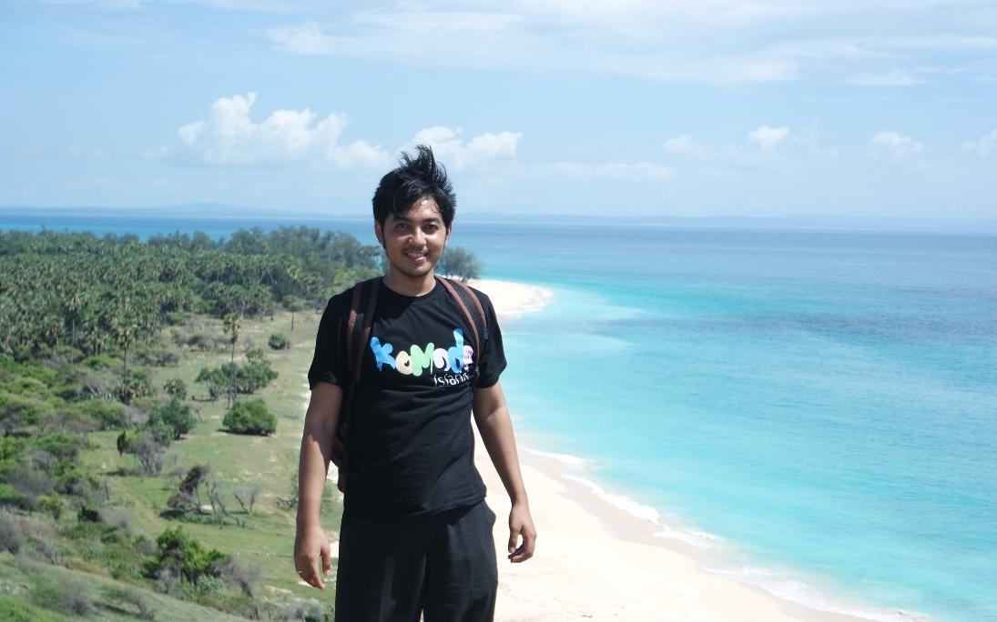 pantai liman pulau semau NTT