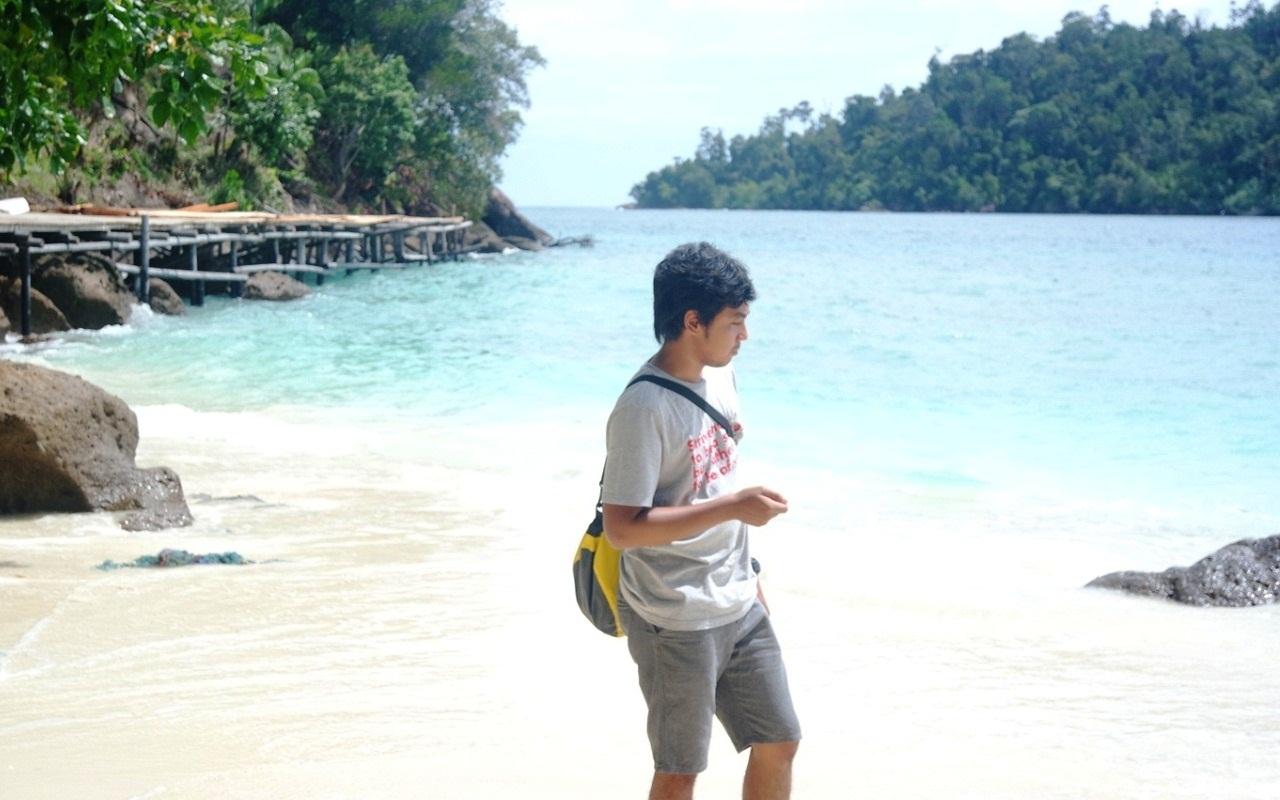 pantai pulau pamutusan