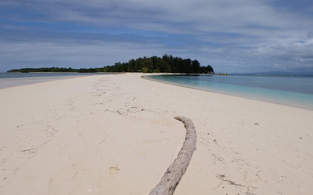 pulau dodola morotai