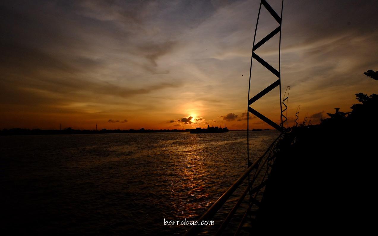 sunset di sungai kapuas