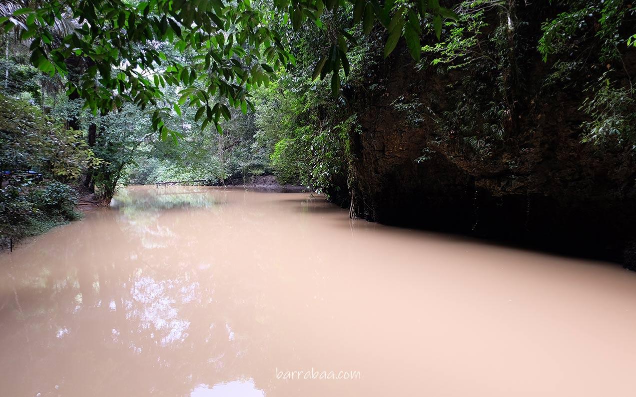 aliran air tenang danau kassi kebo bantimurung