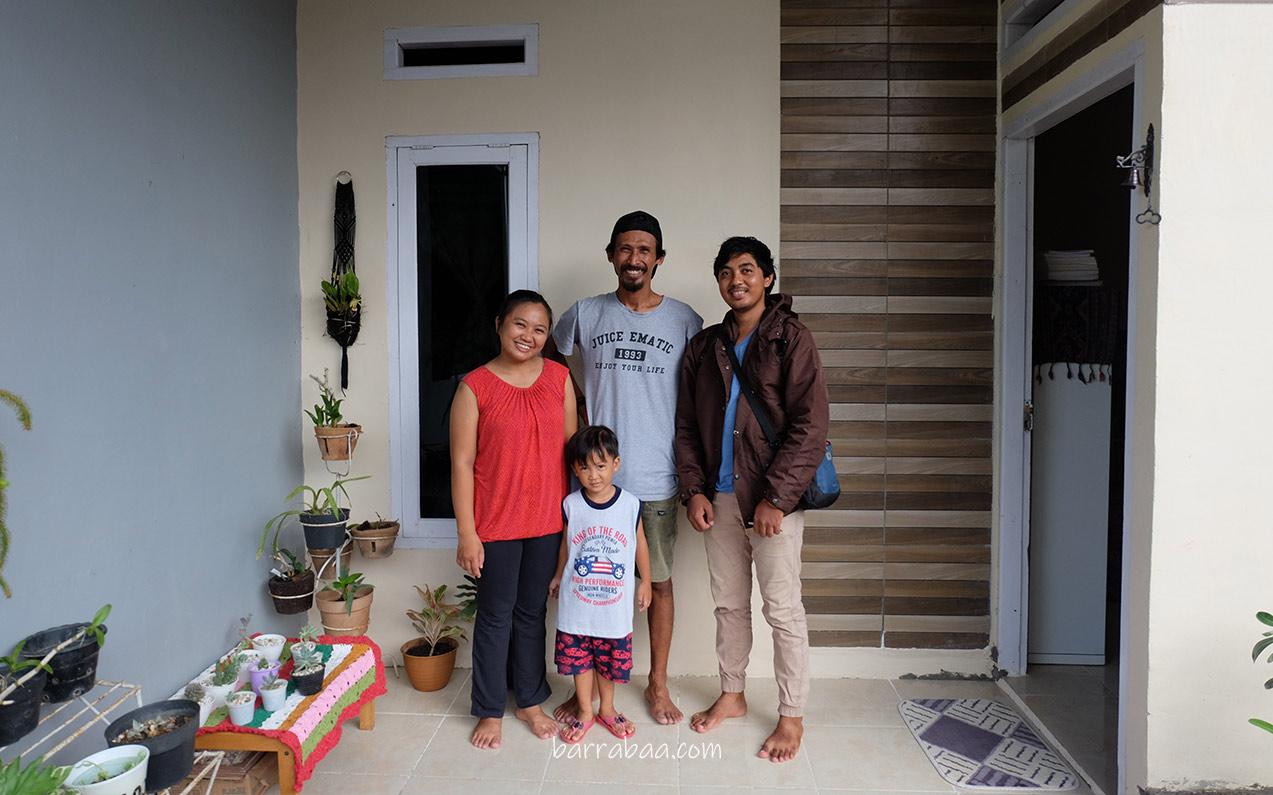bersama penulis Eko Rusdianto dan keluarga