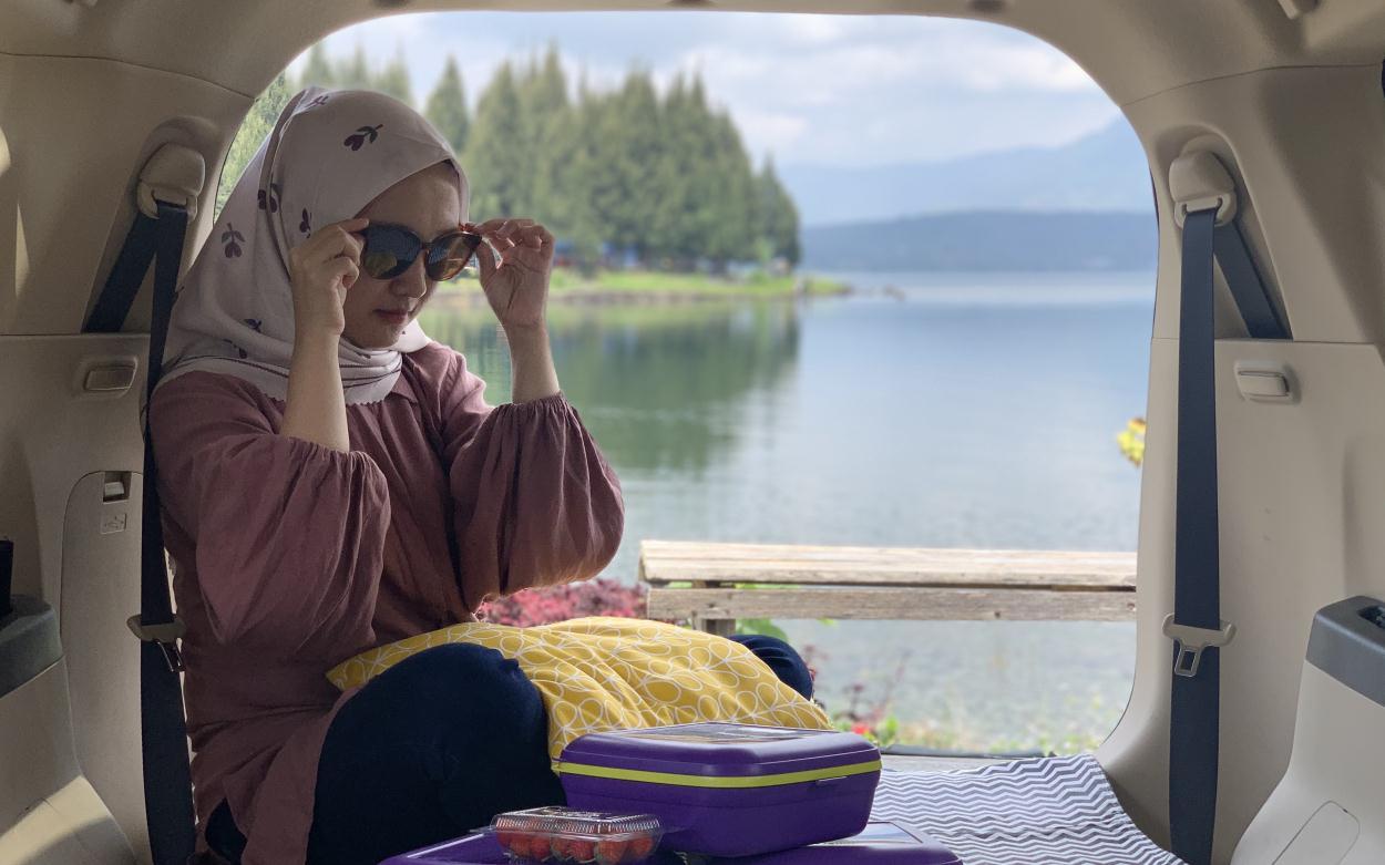 campervan di danau ateh